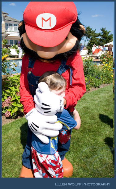 hug from Super Mario