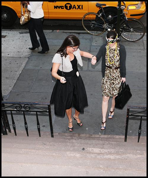 Pam and Rachel arriving