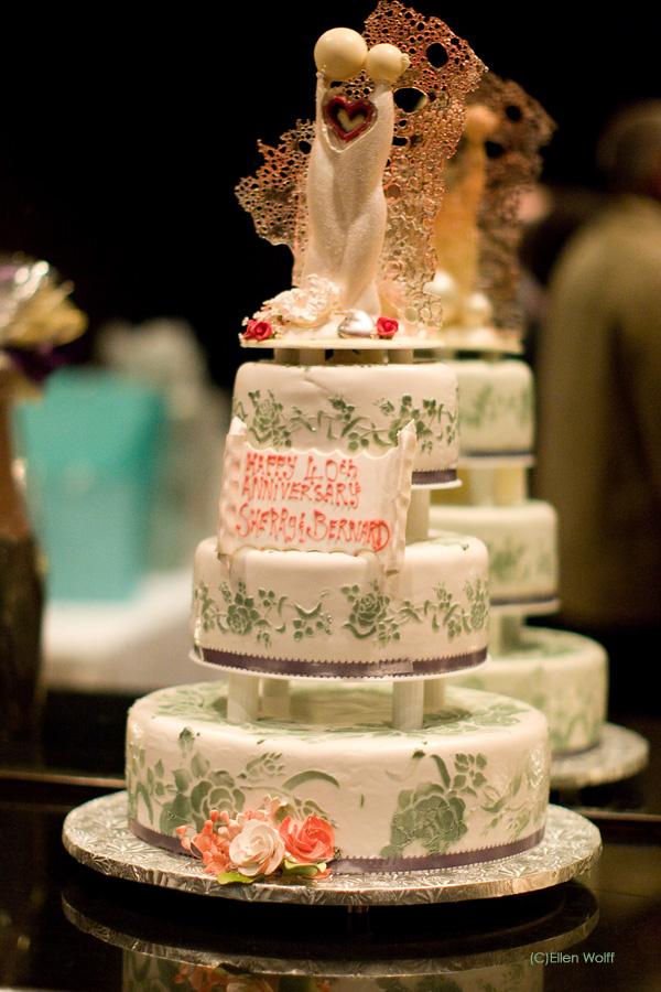 the wedding anniversary cake