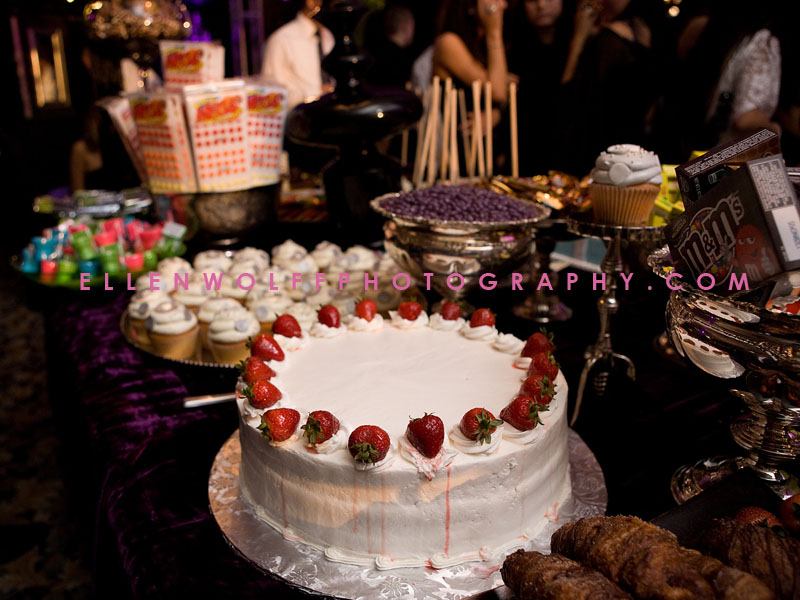 desserts at an Oheka Castle sweet 16 party
