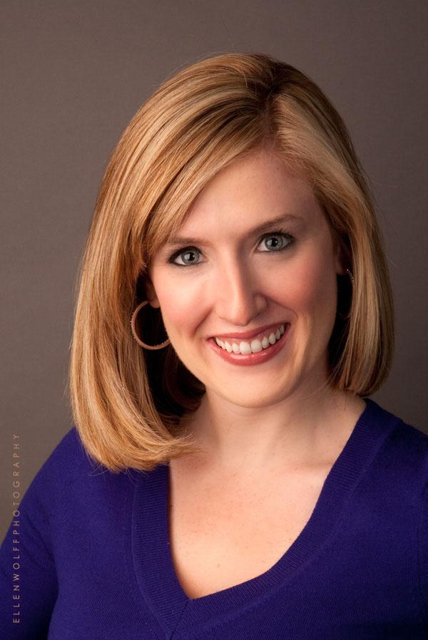 headshot new york news reporter